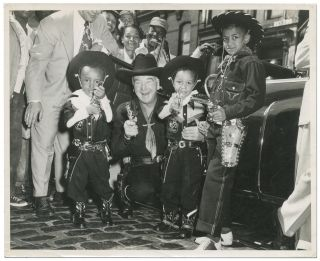 "Press Photograph]: ""Ronnie and Lonnie Spinks with Hopalong Cassidy. Bud Billikin Picnic 1951"" H...."